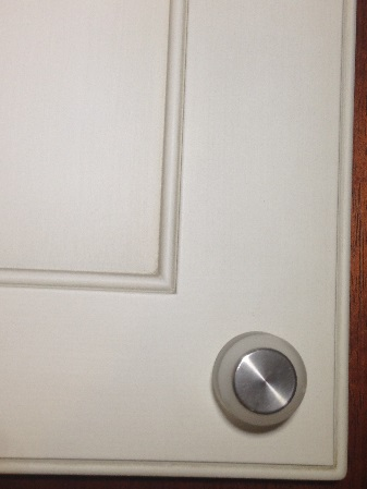 Center Corner Knob Placement